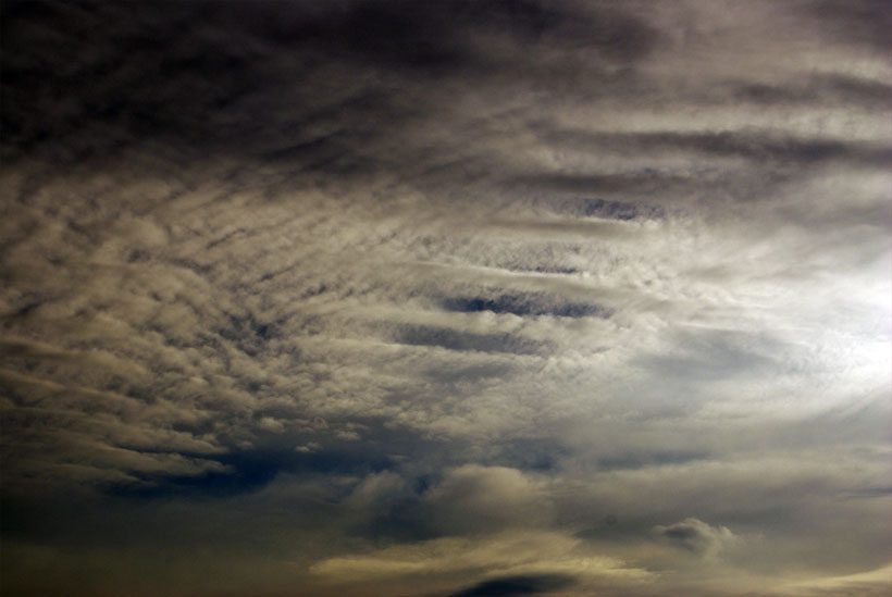 Beautiful altocumulus cloud structure with parallel bands