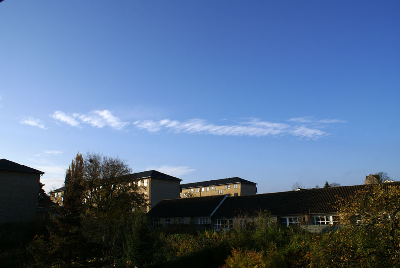 Odd contrail-cloud development captured on photography