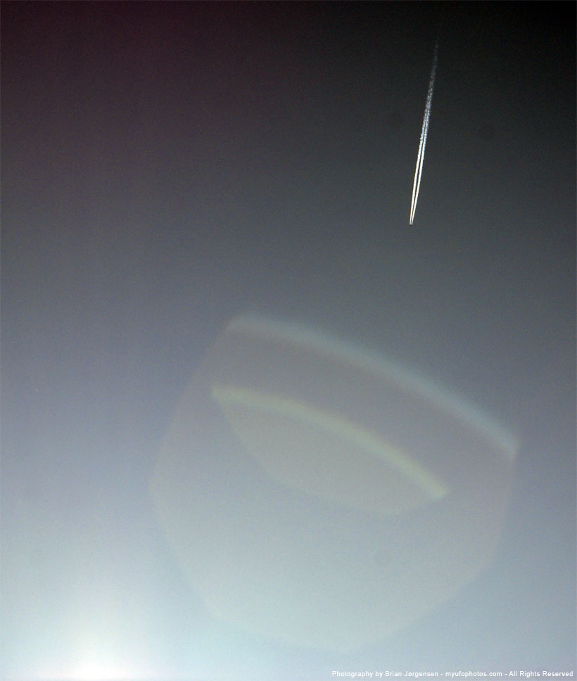 Large polygon lens flare artifact in DSLR photography