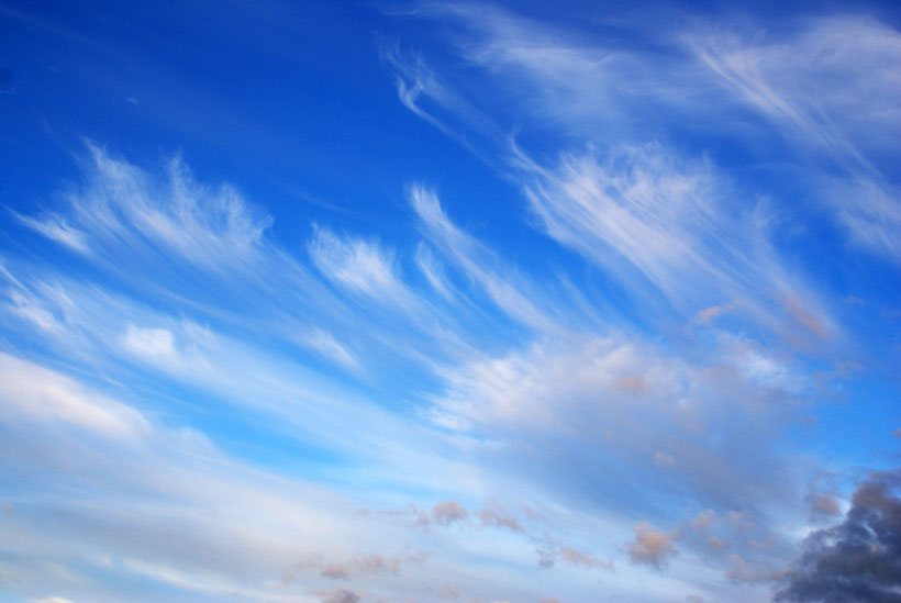 Amazing Cirrus clouds invading the sky