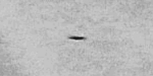 img6022-ufo-uap-object-2d-contrast-brightness-grayscale