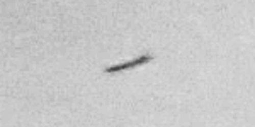 img6041-ufo-uap-object-3d-contrast-brightness-grayscale
