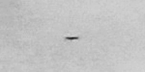 img6056-ufo-uap-object-1d-contrast-brightness-grayscale
