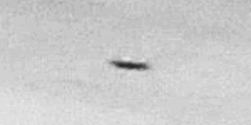 img6062-ufo-uap-object-2d-contrast-brightness-grayscale